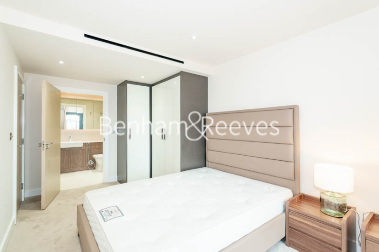 3 bedroom(s) flat to rent in Beaufort Square, Colindale, NW9-image 13