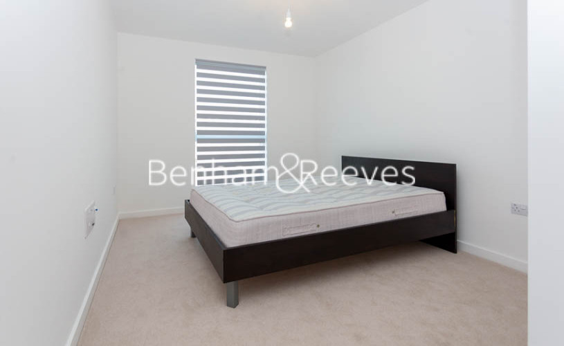 2 bedroom(s) flat to rent in Lismore Boulevard, Colindale, NW9-image 5
