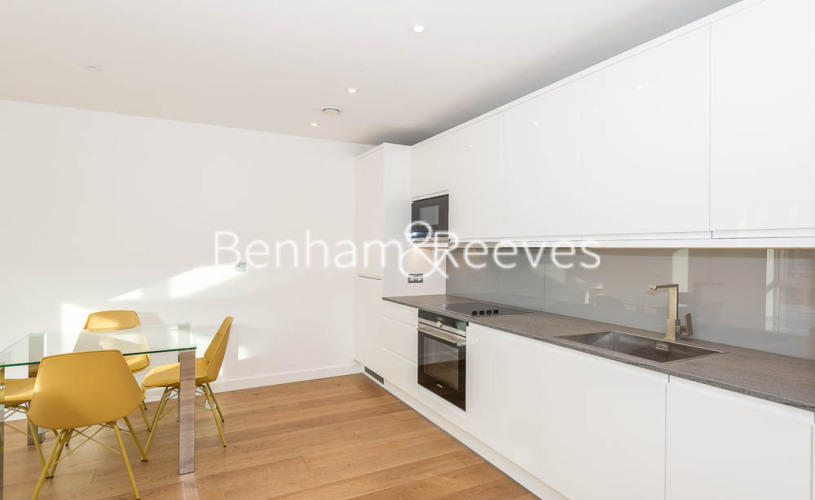 1 bedroom(s) flat to rent in Lismore Boulevard, Colindale, NW9-image 2