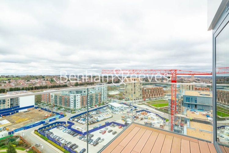 3 bedroom(s) flat to rent in Beaufort Square, Colindale, NW9-image 6