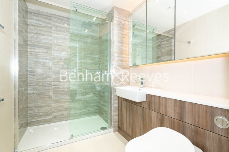 3 bedroom(s) flat to rent in Beaufort Square, Colindale, NW9-image 10