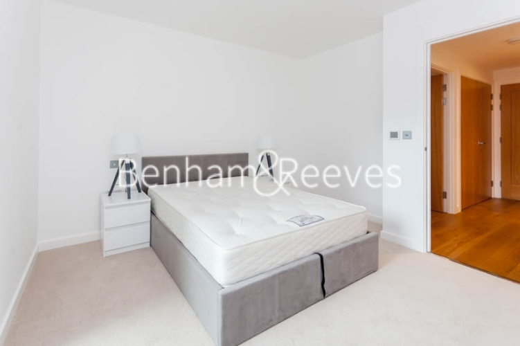 2 bedroom(s) flat to rent in Thonrey Close, Colindale, NW9-image 13