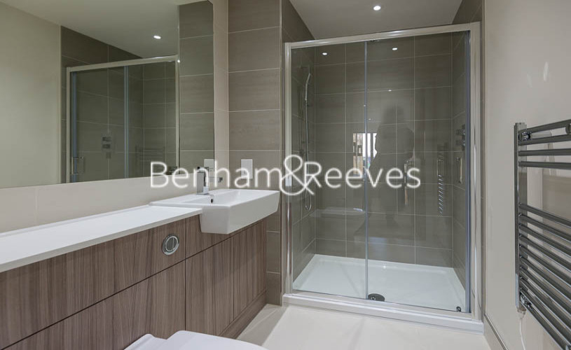 2 bedroom(s) flat to rent in Beaufort Square, Colindale, NW9-image 10