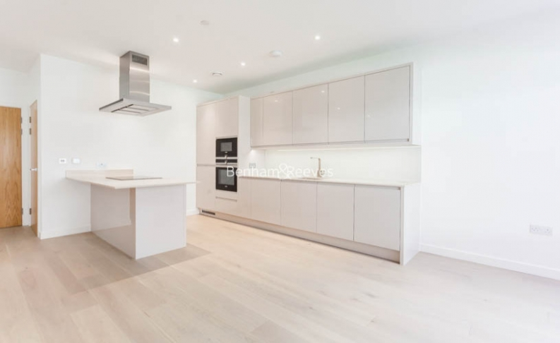 4 bedroom(s) flat to rent in Colindale Gardens, Colindale, NW9-image 3