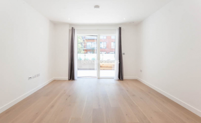 4 bedroom(s) flat to rent in Colindale Gardens, Colindale, NW9-image 7
