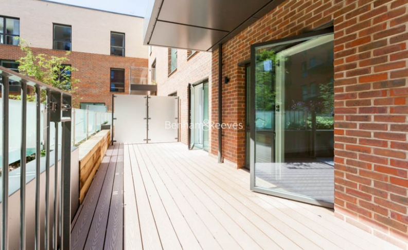 4 bedroom(s) flat to rent in Colindale Gardens, Colindale, NW9-image 11