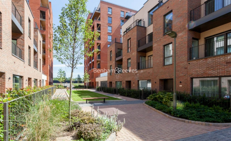 4 bedroom(s) flat to rent in Colindale Gardens, Colindale, NW9-image 13