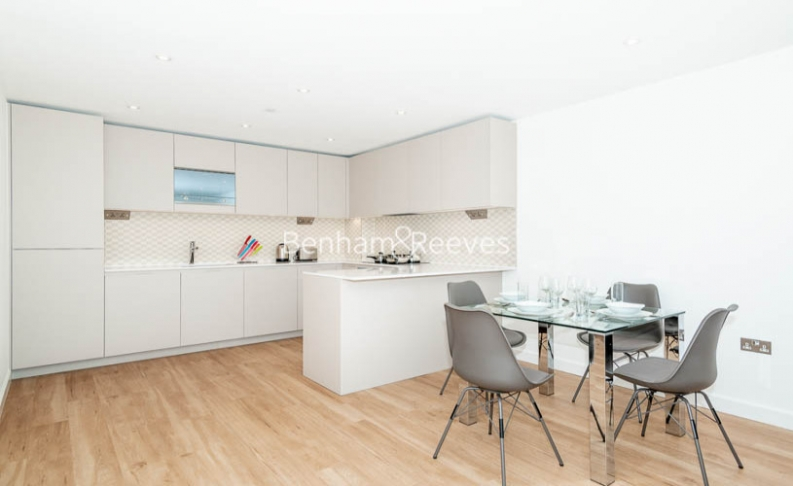2 bedroom(s) flat to rent in Caversham Road, Colindale, NW9-image 2
