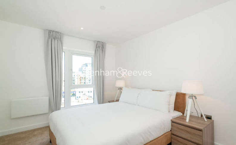 2 bedroom(s) flat to rent in Caversham Road, Colindale, NW9-image 4