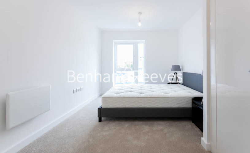 1 bedroom(s) flat to rent in Caversham Road, Colindale, NW9-image 13