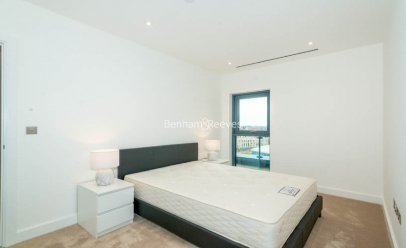 3 bedroom(s) flat to rent in Caversham Road, Colindale, NW9-image 5