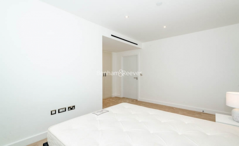 3 bedroom(s) flat to rent in Caversham Road, Colindale, NW9-image 7