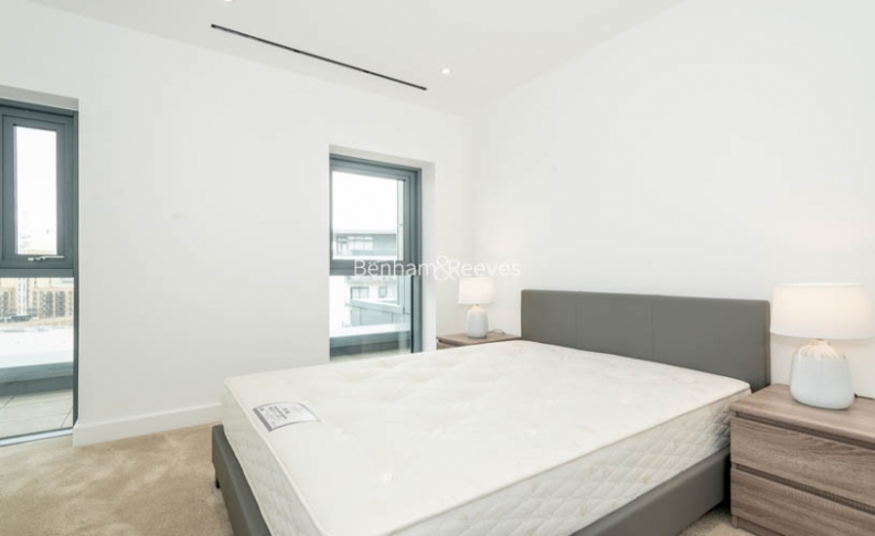 3 bedroom(s) flat to rent in Caversham Road, Colindale, NW9-image 8