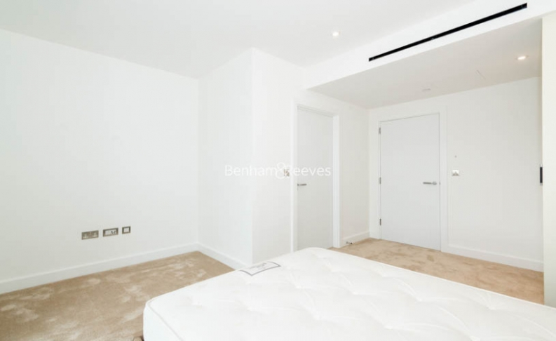 3 bedroom(s) flat to rent in Caversham Road, Colindale, NW9-image 10