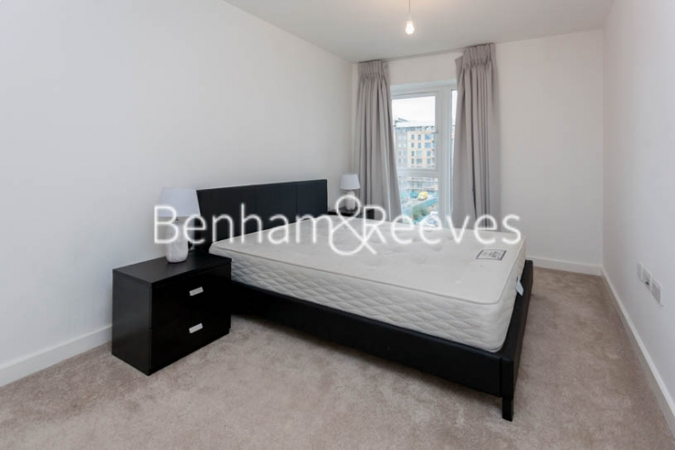 1 bedroom(s) flat to rent in Caversham Road, Colindale, NW9-image 3