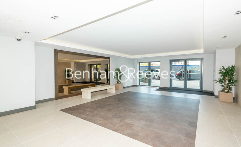 2 bedroom(s) flat to rent in Beaufort Park ,Colindale ,NW9-image 9