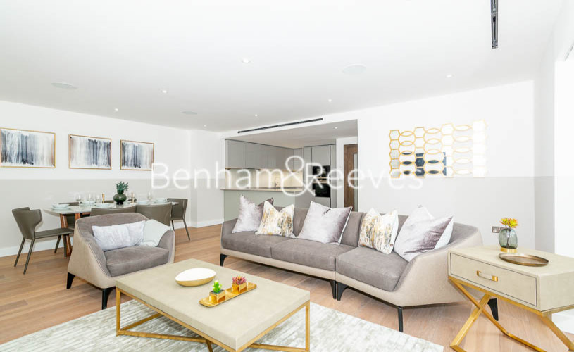 3 bedroom(s) flat to rent in Aerodrome Road, Colindale, NW9-image 1