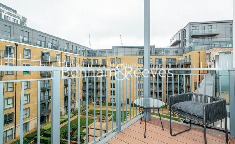 3 bedroom(s) flat to rent in Aerodrome Road, Colindale, NW9-image 6
