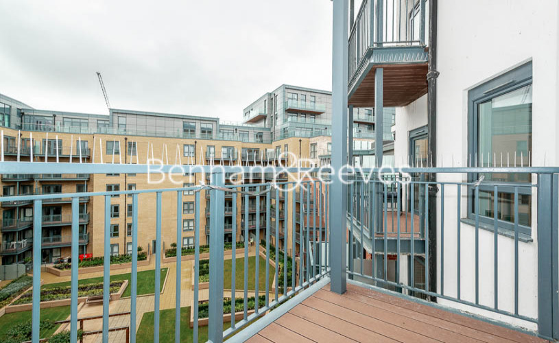 3 bedroom(s) flat to rent in Aerodrome Road, Colindale, NW9-image 8