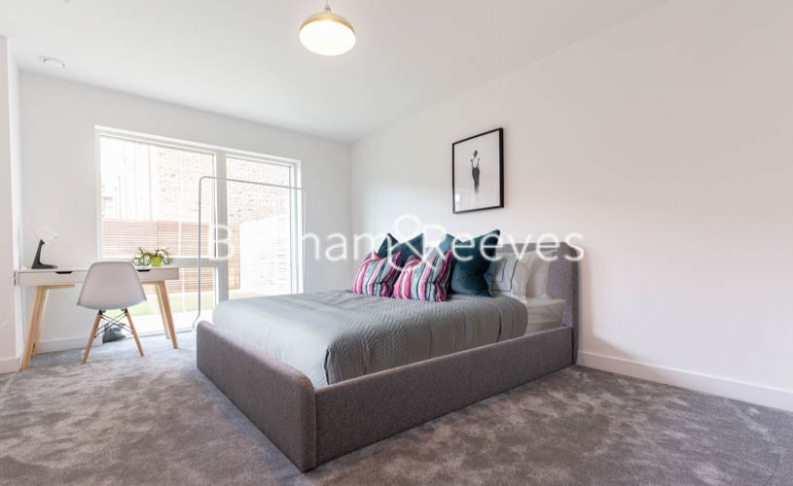 1 bedroom(s) flat to rent in Lismore Boulevard, Colindale, NW9-image 4