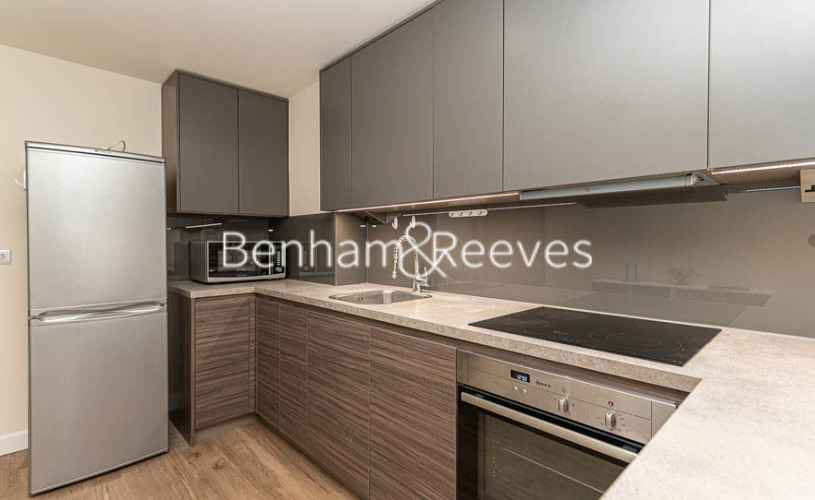 2 bedroom(s) flat to rent in Beaufort Park , Colindale NW9-image 2