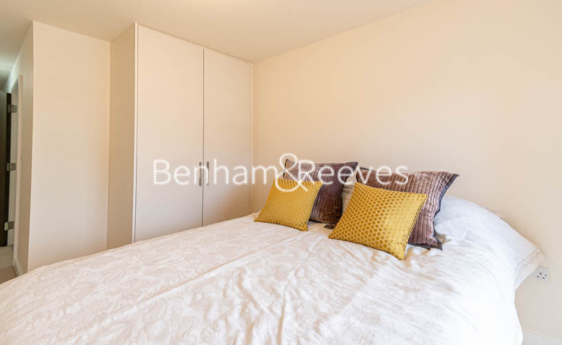 2 bedroom(s) flat to rent in Beaufort Park , Colindale NW9-image 9