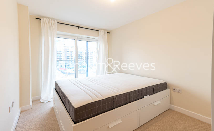 2 bedroom(s) flat to rent in Beaufort Park , Colindale NW9-image 10