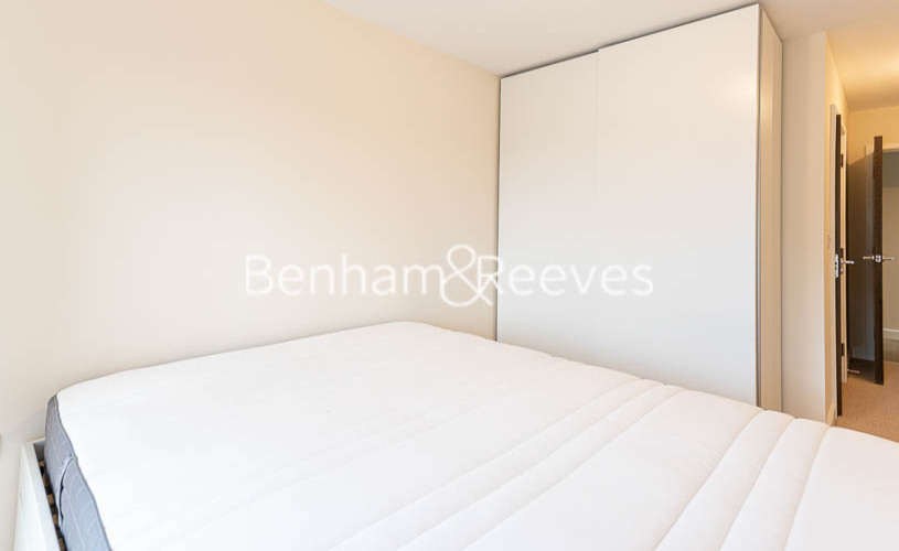 2 bedroom(s) flat to rent in Beaufort Park , Colindale NW9-image 11
