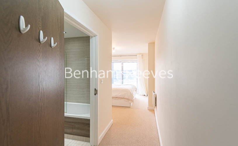 2 bedroom(s) flat to rent in Beaufort Park , Colindale NW9-image 12