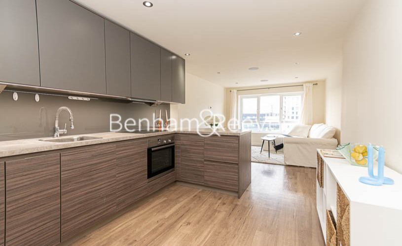 2 bedroom(s) flat to rent in Beaufort Park , Colindale NW9-image 13