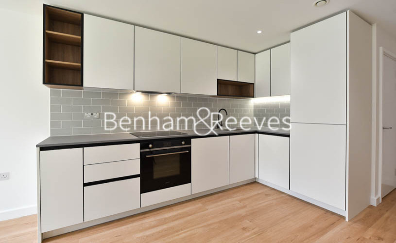 1 bedroom(s) flat to rent in Beaufort Square ,Colindale ,NW9-image 2