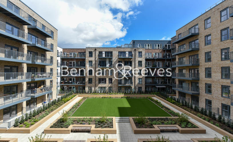 1 bedroom(s) flat to rent in Beaufort Square ,Colindale ,NW9-image 6