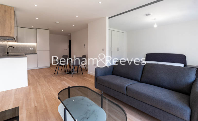 1 bedroom(s) flat to rent in Beaufort Square ,Colindale ,NW9-image 7
