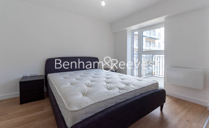 1 bedroom(s) flat to rent in Beaufort Square ,Colindale ,NW9-image 9