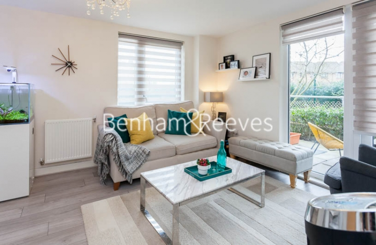 2 bedroom(s) flat to rent in Charcot Road, Colindale , NW9-image 1