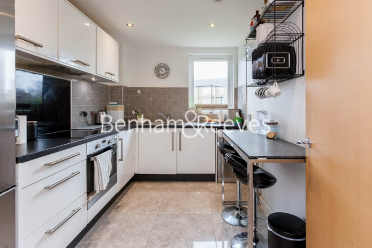 2 bedroom(s) flat to rent in Charcot Road, Colindale , NW9-image 2
