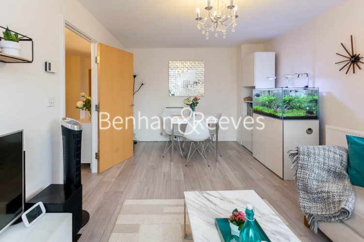 2 bedroom(s) flat to rent in Charcot Road, Colindale , NW9-image 8