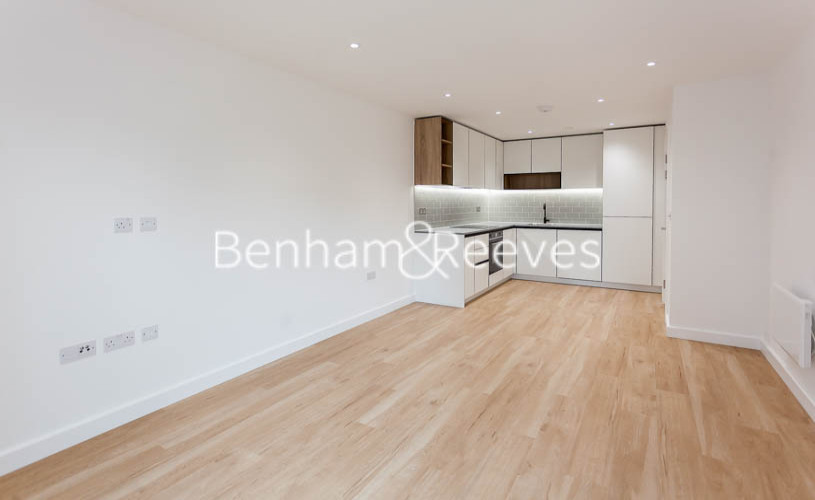1 bedroom(s) flat to rent in Beaufort Park,Colindale,NW9-image 1