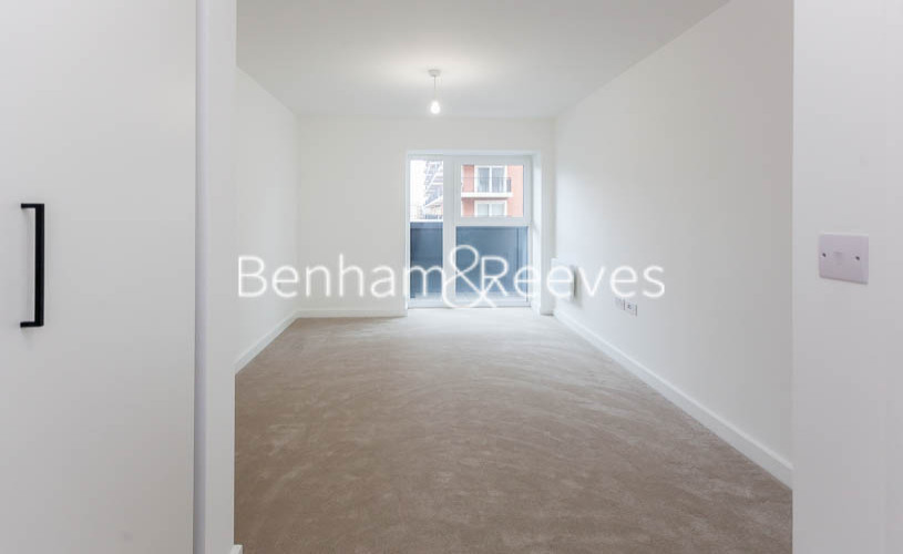 1 bedroom(s) flat to rent in Beaufort Park,Colindale,NW9-image 3