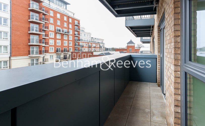 1 bedroom(s) flat to rent in Beaufort Park,Colindale,NW9-image 6