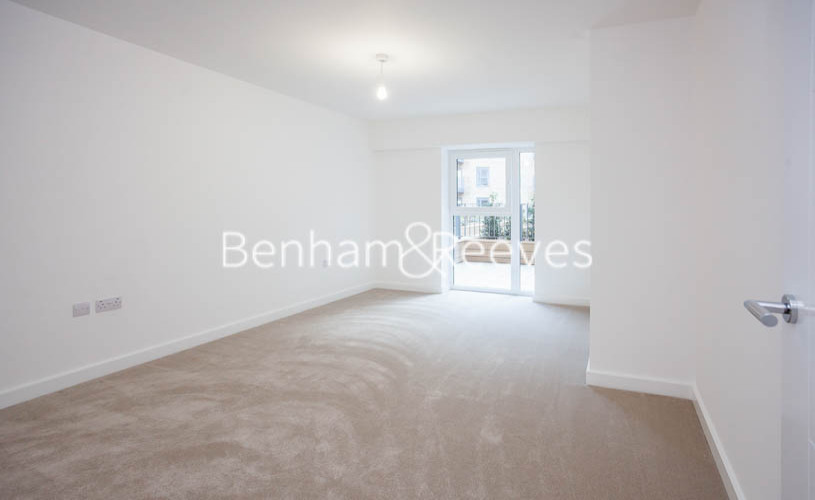 1 bedroom(s) flat to rent in Beaufort Square,Colindale NW9-image 3