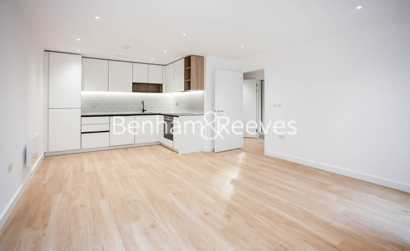1 bedroom(s) flat to rent in Beaufort Square,Colindale NW9-image 6