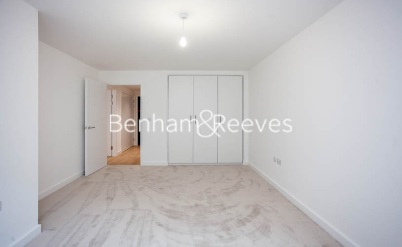 1 bedroom(s) flat to rent in Beaufort Square,Colindale NW9-image 7
