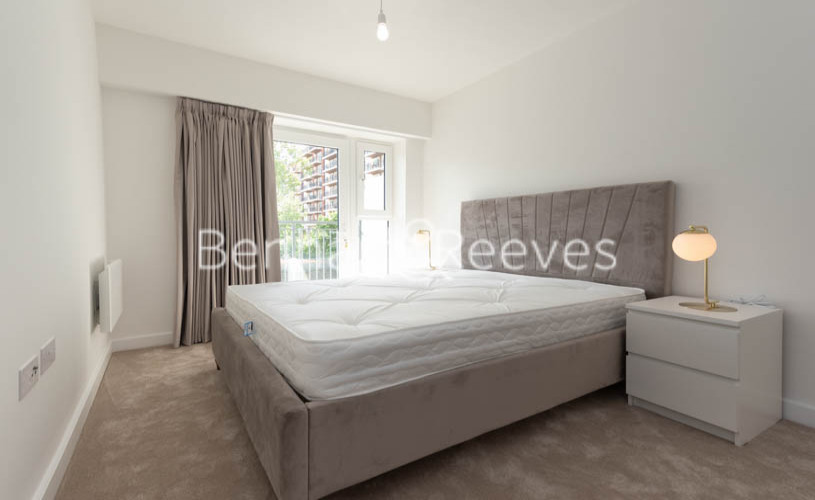 1 bedroom(s) flat to rent in Beaufort Square , Colindale ,NW9-image 3
