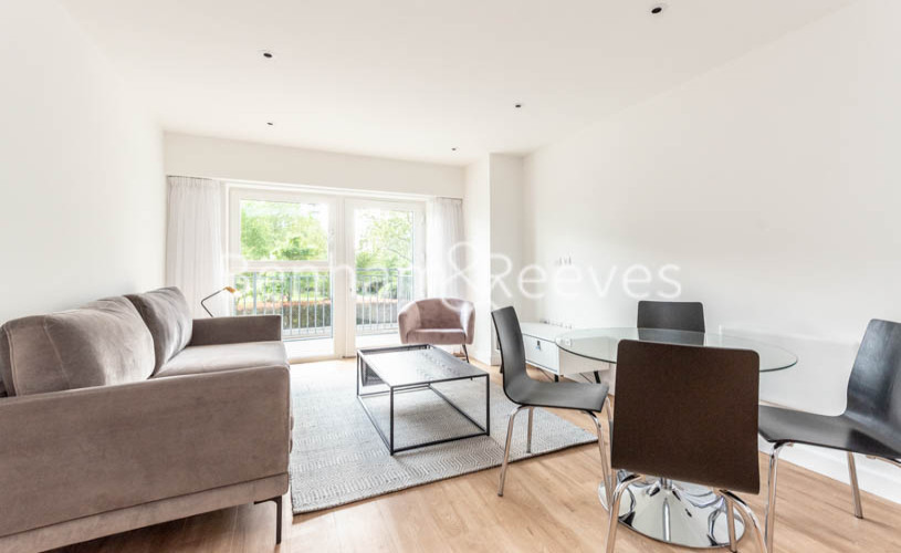 1 bedroom(s) flat to rent in Beaufort Square , Colindale ,NW9-image 6