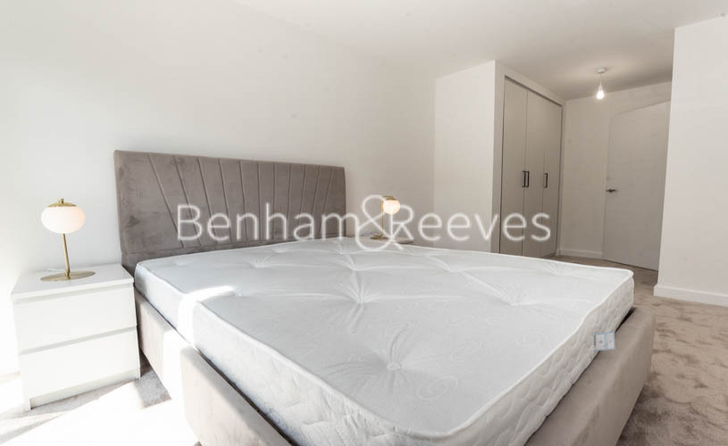 1 bedroom(s) flat to rent in Beaufort Square , Colindale ,NW9-image 7