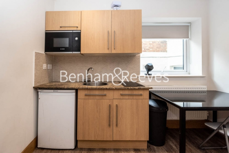 Studio flat to rent in Patton Studios, Colindale, NW9-image 5