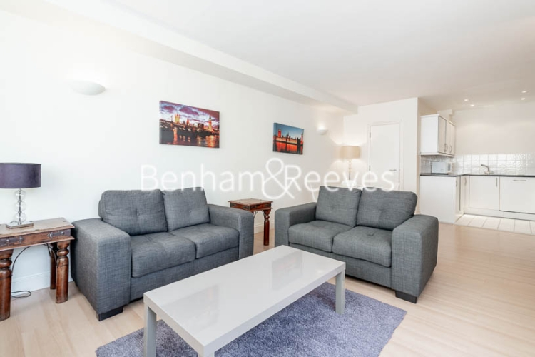 1 bedroom(s) flat to rent in West Smithfield, Farringdon, EC1-image 1