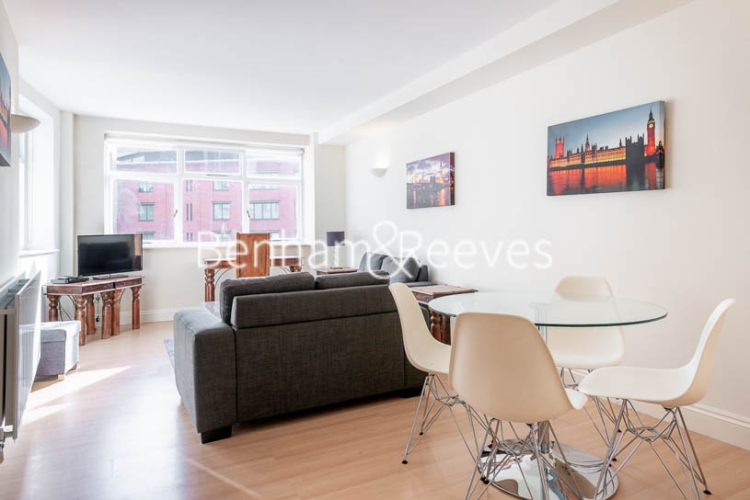 1 bedroom(s) flat to rent in West Smithfield, Farringdon, EC1-image 3