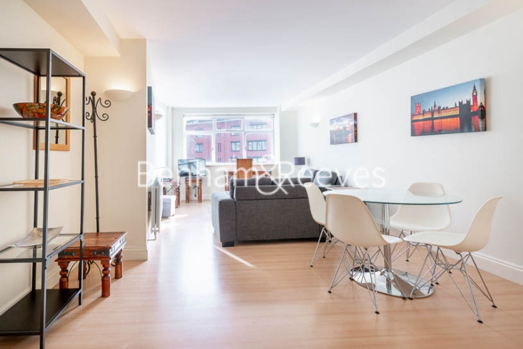 1 bedroom(s) flat to rent in West Smithfield, Farringdon, EC1-image 8